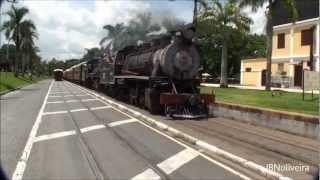 Jaguariuna - 2 locomotivas,12 vagões - Maria Fumaça 2 - Estação  Mogiana - Vídeo 4