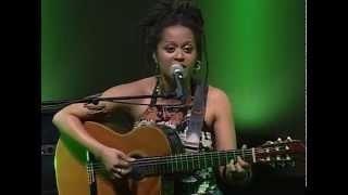 Sara Tavares - Balancê (Live in Lisboa, 2007) (4/13)