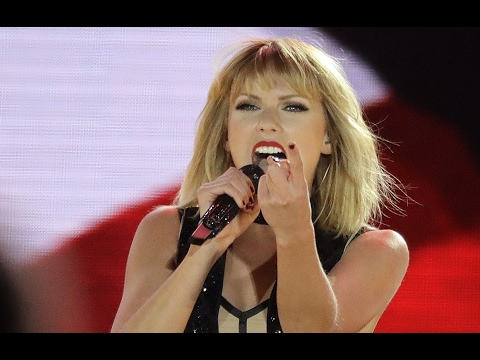Taylor Swift Super Bowl Performance - 'Blank Space'