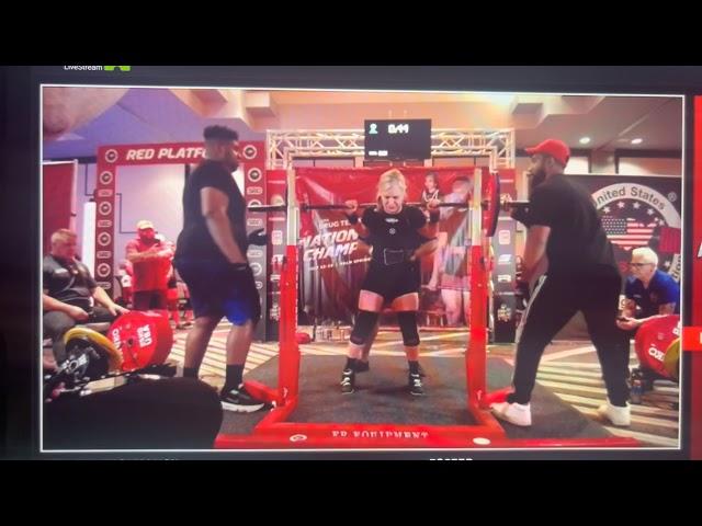 Linda Franklin - 122.5 kgs / 270.10 lbs Squat