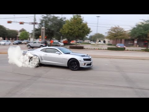 MUSCLE CARS GET SIDEWAYS LEAVING Houston Cars and Coffee November 2017!!!