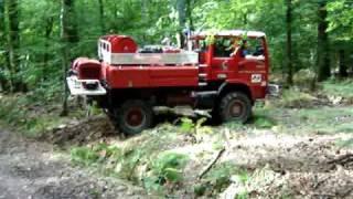 Camion de pompier maneuvre