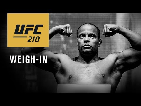 UFC 210: Official Weigh-in