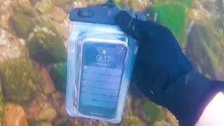 Encontró un Iphone X bajo el agua