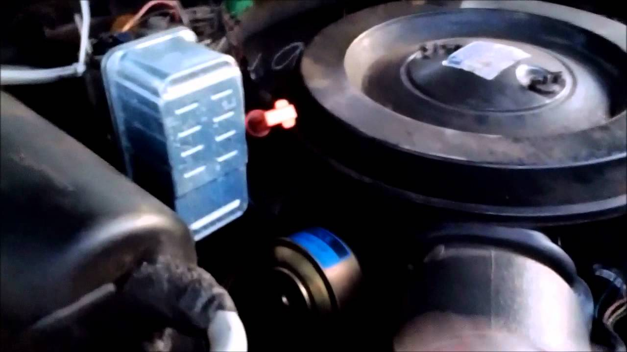 62l Diesel Fuel Filter Replacement Youtube 7 3 Powerstroke Location