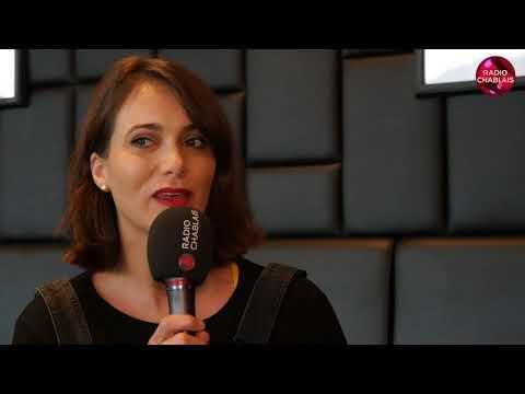 Caroline Amiguet: comédienne de la Riviera aux Etats-Unis