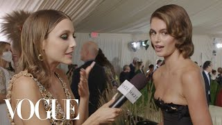 Kaia Gerber on Her Oscar de la Renta Throwback  | Met Gala 2021 With Emma Chamberlain
