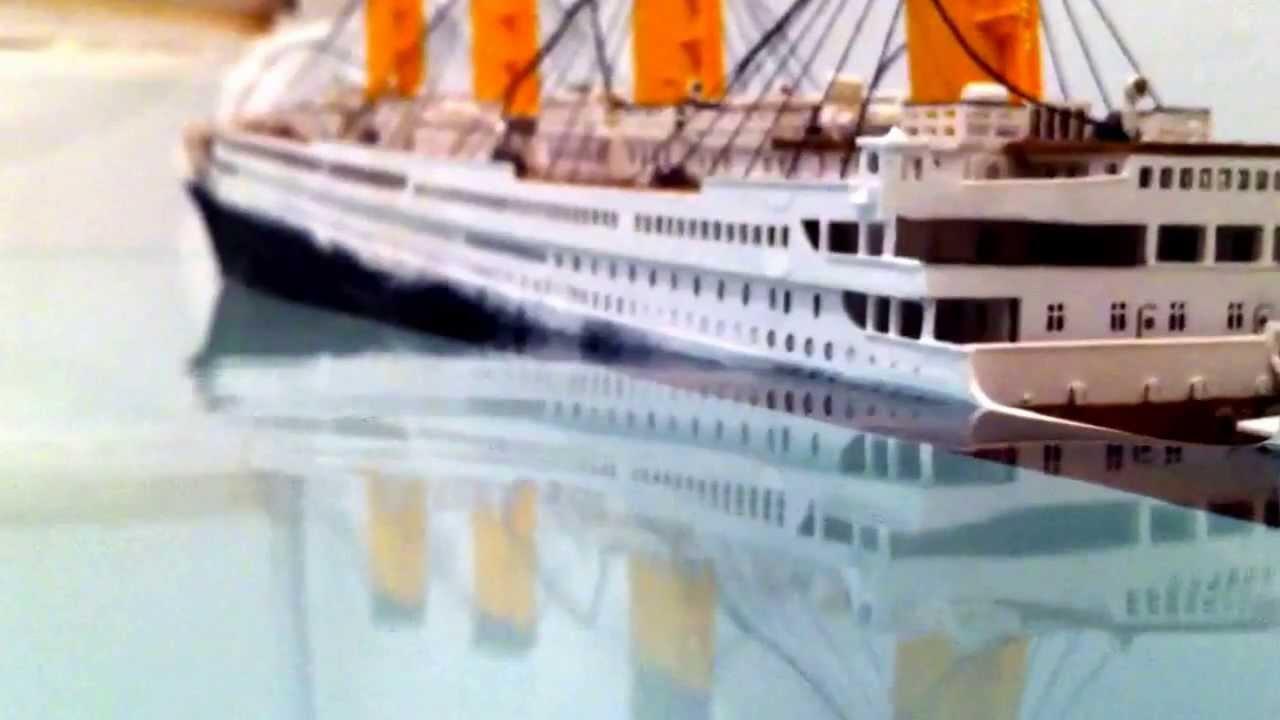 Toys R Us Titanic Model : Titanic model sinking youtube