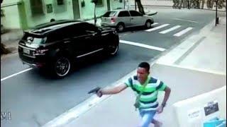 Brazilian Goalkeeper Jefferson Robbed At Gunpoint thumbnail