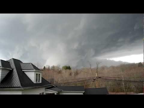 WEST LIBERTY TORNADO 03-02-12 Video.MOV