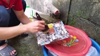 Hướng dẫn vệ sinh main máy tính thumbnail