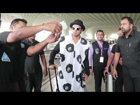 Ranveer Singh Spotted Dancing At The Airport Spotted