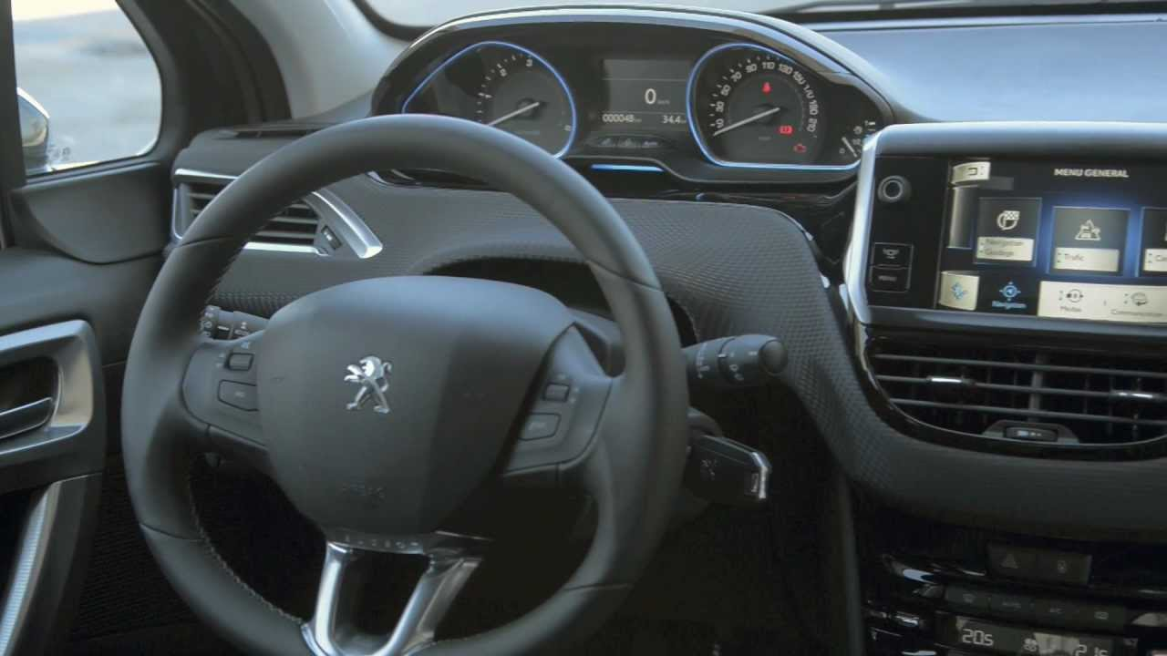 Design int rieur peugeot 2008 vid o officielle www for Interieur peugeot 2008