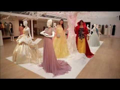 迪士尼拍賣公主禮服 為英兒童醫院募款【大千世界】灰姑娘|白雪公主|花木蘭|睡美人 - YouTube