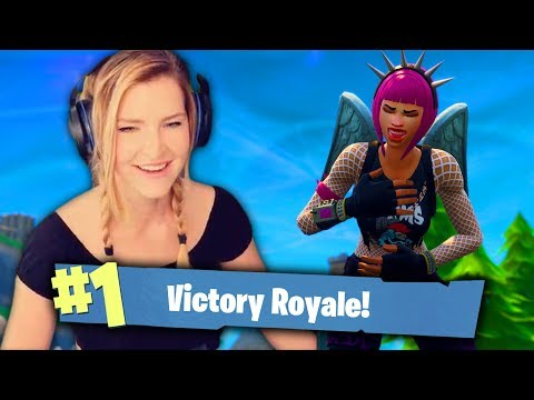 DUO VS SQUADS w/ ChicaLive (Fortnite: Battle Royale Gameplay) | KittyPlays