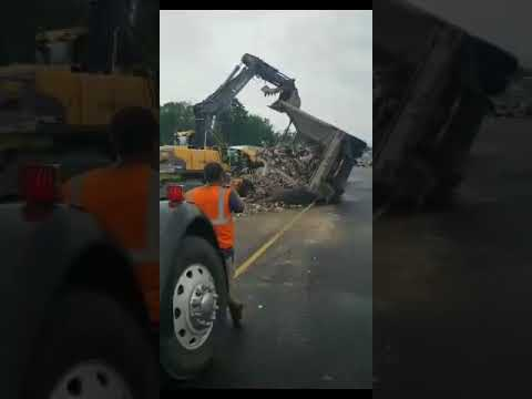 I-81 North in Tully reopens 7 hours after trash-hauling tractor-trailer crashes