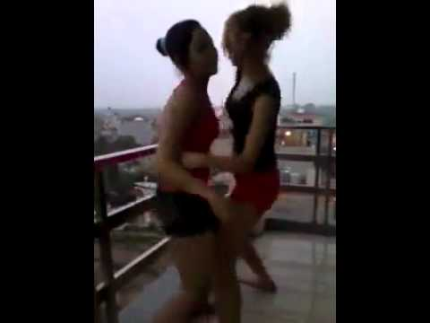 CongDongVip.Com 2 Em Teen Múa Lửa Trên Tầng Thượng