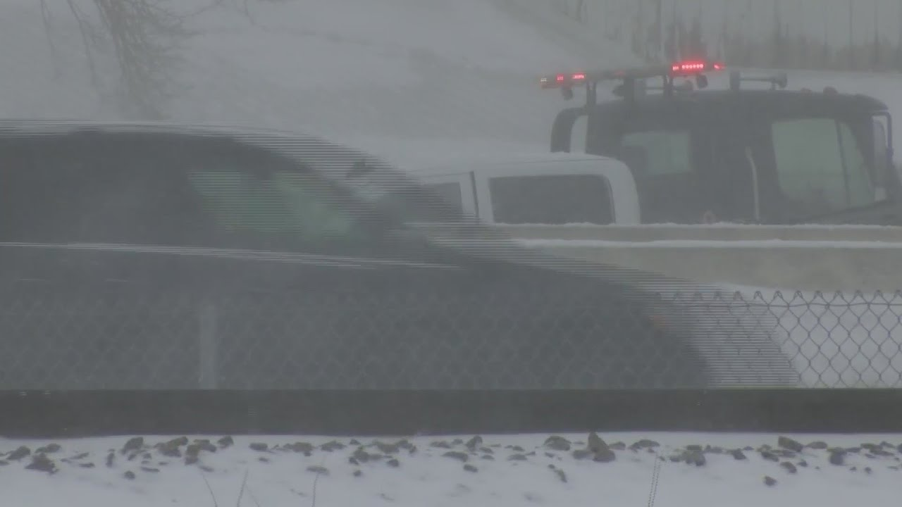 Record 131-car pileup breaks out in Wisconsin winter storm | Autoblog