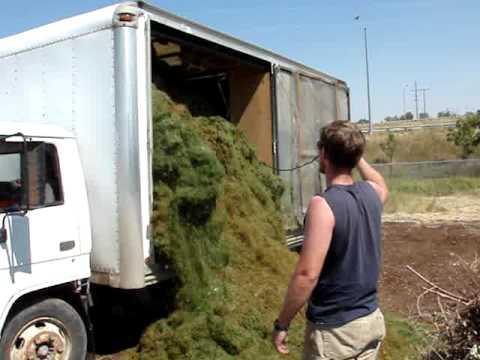 dumping isuzu box truck vid #4 - Dumping Isuzu Box Truck Vid #4 - YouTube