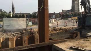 Plaatsing damwanden bypass Keutelbeek bij Ligne