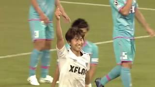 FC東京がスローインでのリスタートからシュートチャンスを作り出すと、...
