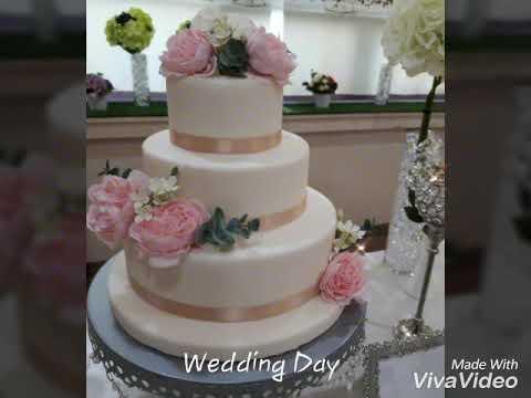 wedding-cake-&-cupcakes-(wedding-dessert-table)