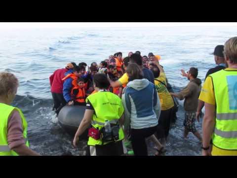 Migrants reaching Lesvos