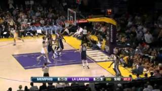 Kobe Bryant Beats Buzzer - Lakers vs. Grizzlies (08.01.2012)