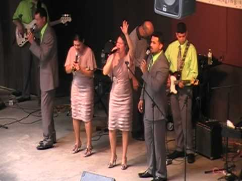 The McNeills LIVE AT THE BEAKS 2012 part 2