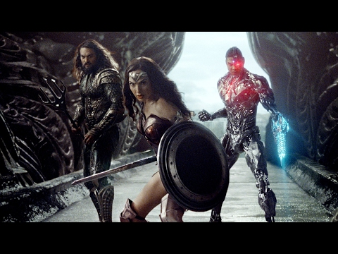 New Justice League Movie Image: Wonder Woman, Aquaman and Cyborg