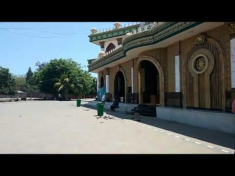 wisata-religi-masjid-&-makam-kh-kholil-madura-bangkalan