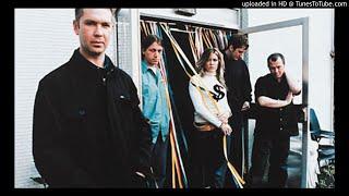 Gambar cover Catatonia Documentary on Radio 1 with Steve Lamacq 23.07.2001 (incomplete)