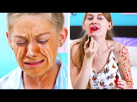 BEAUTY IS PAIN || 15 CLUMSY MOMENTS EVERY GIRL KNOWS