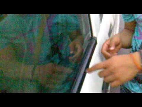 Como abrir puerta de auto sin manija