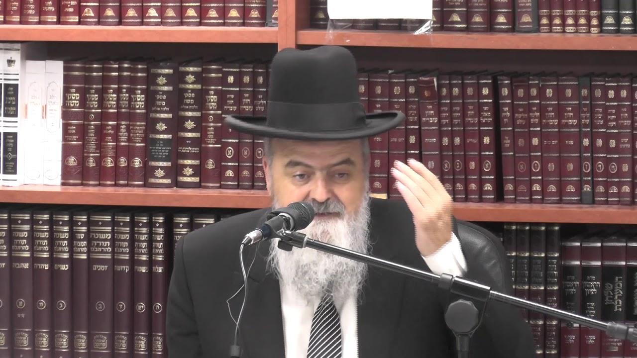 הרב אהרן בוטבול :  דיני תפילת ערבית מוקדמת והשלכותיה להלכות שונות.