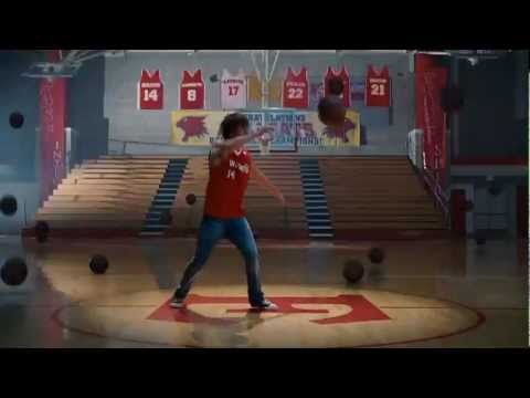 Zac Efron - Scream (High School Musical 3: Senior Year) (W/Lyrics in Subtitles)