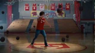Zac Efron - Scream (High School Musical 3: Senior Year) (W / Lyrics in Subtitles)