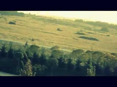 Coldplay - Beautiful World (Music Video)