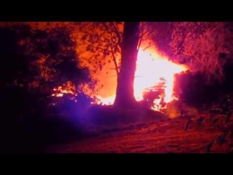 Notte di fuoco nelle campagne tra San Giuliano, Opera e Milano.
