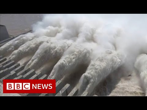 China floods: World's biggest dam nears capacity - BBC News