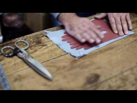 Omega srl - производство кожаных перчаток