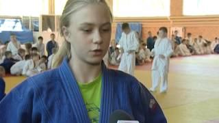 Видеосюжет об экзамене на жёлтые пояса дзюдо в Челябинске