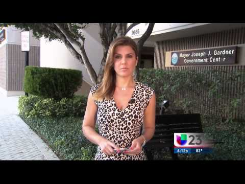 WLTV Noticias 23 Univision - 04/22/15 6PM Full Newscast