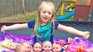 Five Lil Cutesies Baby Dolls Jumping on the Bed Song and Babies Playing at the Park W/ Play Doh Girl