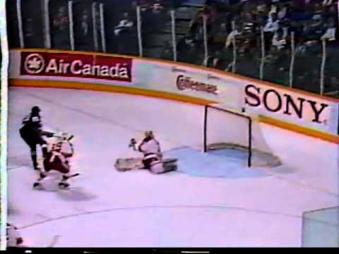 Wayne Gretzky abuses Al MacInnis and Mike Vernon - Kings at Flames (12/20/93)