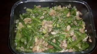 Грибной салат с фасолью и чесноком
