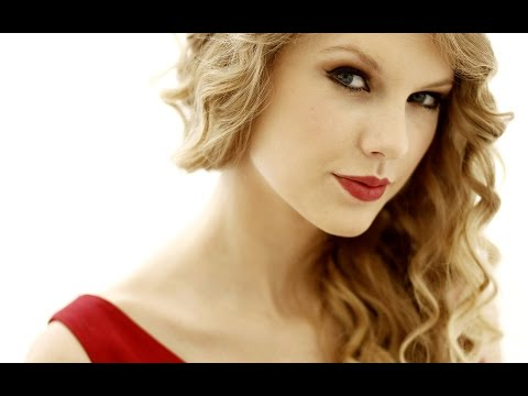 Taylor Swift tells Top Billing she chose Music over Horse Riding