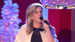 Trisha Yearwood Santa Claus is Back in Town (Live Mic Feed) Christmas in Rockefeller Center 1