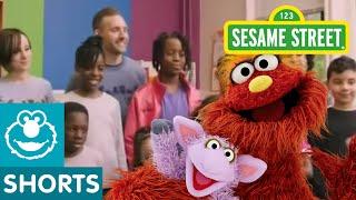 Video Sesame Street: Murray's Recycled Artwork download MP3, 3GP, MP4, WEBM, AVI, FLV Agustus 2017
