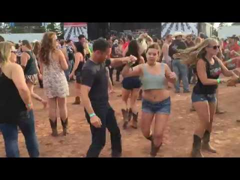 Country Swing at Country Thunder 2016